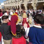 όλες οι χορευτικές ομάδες των παροικιακών συλλόγων χορεύουν μαζί!